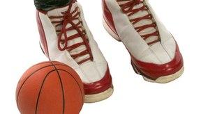 Es importante escoger las zapatillas adecuadas para practicar baloncesto.