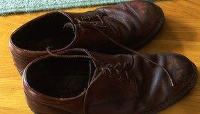 Un cambio de calzado a menudo puede aliviar el dolor de los juanetes.