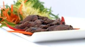 La carne es rica en vitamina B12.