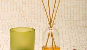 En aromaterapia se utiliza el aceite de orégano y otros extractos ricos en carvacrol por sus propiedades antiinflamatorias, analgésicas y bactericidas.
