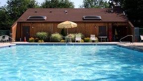 Los juegos en la piscina te permiten disfrutarla y es una manera divertida de pasar los meses de verano.