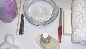 Los instrumentos esterilizados son la mejor defensa contra las infecciones que se contraen en el salón.