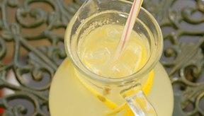 Los efectos secundarios de la limpieza con jugo de limón incluyen pérdida de peso y síntomas parecidos a la influenza.