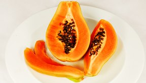 La fibra en la papaya contribuye a la pérdida de peso.