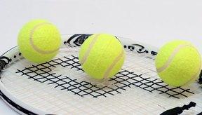 Seleccionar el equipo correcto es importante cuando estás aprendiendo a jugar tenis.