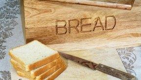 El estearoil lactilato de sodio mantiene fresco al pan.
