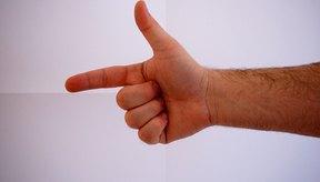 El dedo en gatillo no permite doblar y extender los dedos con naturalidad.