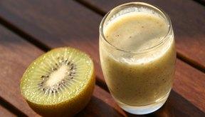 Agrega soja o avena a tu batido de frutas para obtener proteínas extra.