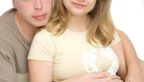 Aun cuando los adolescentes están contentos con el nuevo bebé, las cosas pueden ser difíciles.