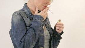 Fumar es una de las principales causas de la piel oscura y curtida.