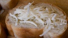 El queso mozzarella contiene muchos nutrientes que contribuyen a la buena salud.