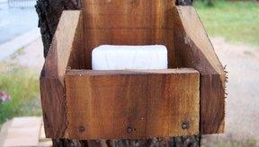 El jabón con aceite de árbol de té beneficia la salud y la belleza.