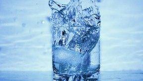 El agua es el líquido más importante para la vida gracias a su pH neutro.