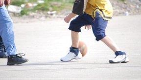 Los entrenamientos de resistencia en baloncesto ayudan a aumentar la energía y productividad dentro del juego.