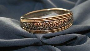 Los antiguos egipcios utilizaban brazaletes de cobre.