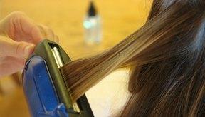 El alaciado por calor frecuente a temperaturas muy altas puede causar pérdida de cabello.