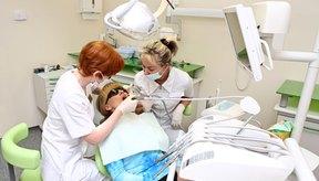 Consulta a tu dentista si desarrollas un dolor de muelas en un diente con una corona.