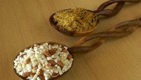 Las proteínas del arroz y los frijoles se complementa para formar una proteína completa.