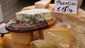Los quesos blandos pueden contener una bacteria llamada listeria, que es particularmente perjudicial para las mujeres embarazadas.
