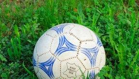 Este juego utiliza una pelota de fútbol.