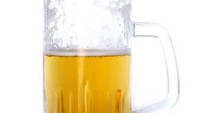 La Tecate es una cerveza común originaria de Baja California.
