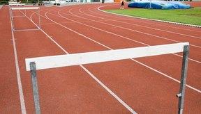 Los corredores deben pasar su pierna trasera sobre cada obstáculo en lugar de pasarla por un lado.
