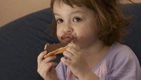 El chocolate negro puede ser parte de la dieta de un niño si es moderado.