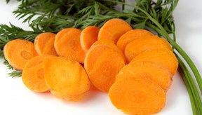 Además de otros beneficios de salud, las zanahorias te proporcionan con niveles saludables de vitaminas A y C.