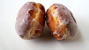 De acuerdo con Krispy Kreme, una dona glaseada original contiene 216 calorías.