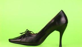 El cuero es genial para los zapatos porque es muy duro, pero también puede ser duro para tus pies.