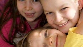 El parpadeo excesivo en niños puede ser causado por varios factores.