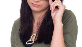El ajuste correcto hace los marcos de lentes cómodos.