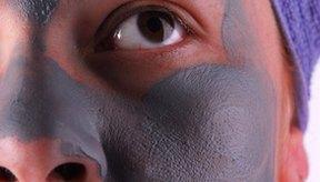 Haz un mascarilla de barro del Mar Muerto.