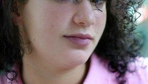 Los relajantes pueden ser utilizados en todas las etnias con cabello rizado firmemente o suelto.