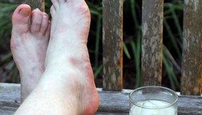 Los pies sudorosos son una fuente común de olor y deben ser lavados a diario para una óptima higiene.