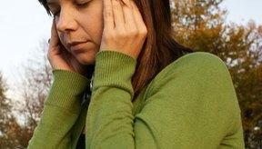 Las migrañas pueden causar síntomas visuales como luces centelleantes.