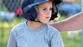 El t-ball enseña a los niños habilidades para el baseball y el softball, preparándolos para jugar en el futuro.