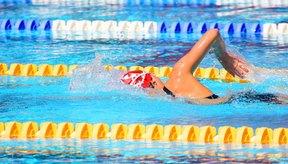 Nadar es un excelente ejercicio, pero el cloro arruina tu pelo.