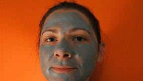 La Mayo Clinic recomienda evitar las mascarillas faciales para quitar los granos.