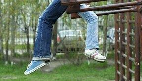Los juegos al aire libre para adolescentes fomentan las habilidades sociales y la cooperación.