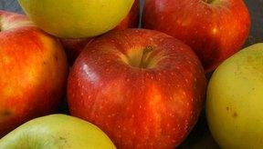 Las manzanas facilitan el trabajo del hígado al deshacerse de los metales pesados que circulan dentro del cuerpo.