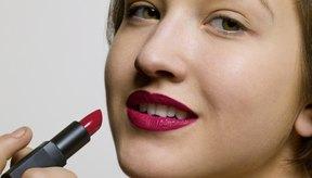 El lápiz labial contiene químicos que pueden ser nocivos.