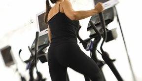 El movimiento hacia atrás de los muslos en la elíptica ayuda a tu trasero.
