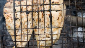 La pechuga de pollo asada no tiene carbohidratos.