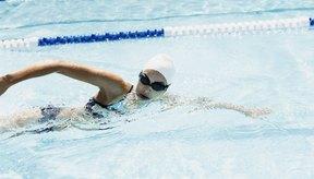 En la natación se quema una cantidad de calorías mayor que en las caminatas.