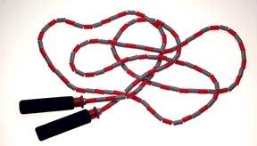 Saltar la cuerda quema más calorías que correr.