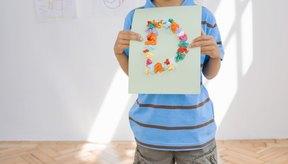 El papel de seda es un medio utilizado para fabricar artesanías para niños.