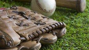 Ejecutar una práctica de béisbol juvenil se trata de enseñarle a los jugadores los fundamentos del juego.