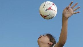 El talento en el fútbol femenino ha crecido hasta el punto de que muchas jugadoras expertos se quedan al margen de la liga premier WPS.