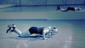 Mantén las rodillas en el suelo para facilitar el ejercicio.